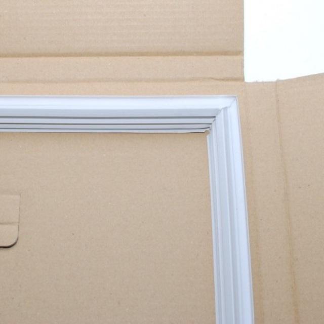 SH FPACGA346CBKZ - Уплотнитель двери морозильной камеры к холодильникам Sharp (Шарп)